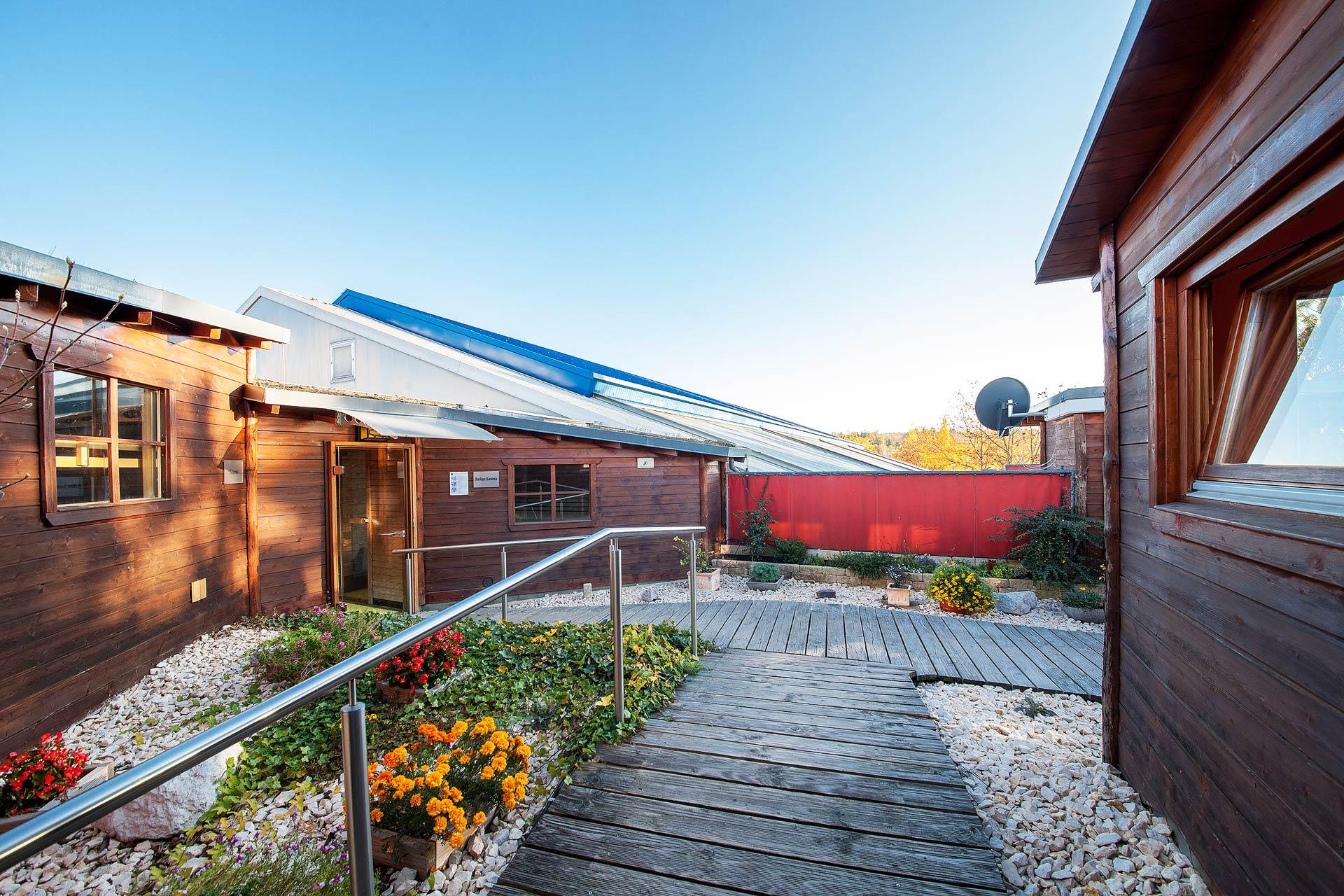 saunalandschaft-außen-sportpark-lahr-1920x1280px