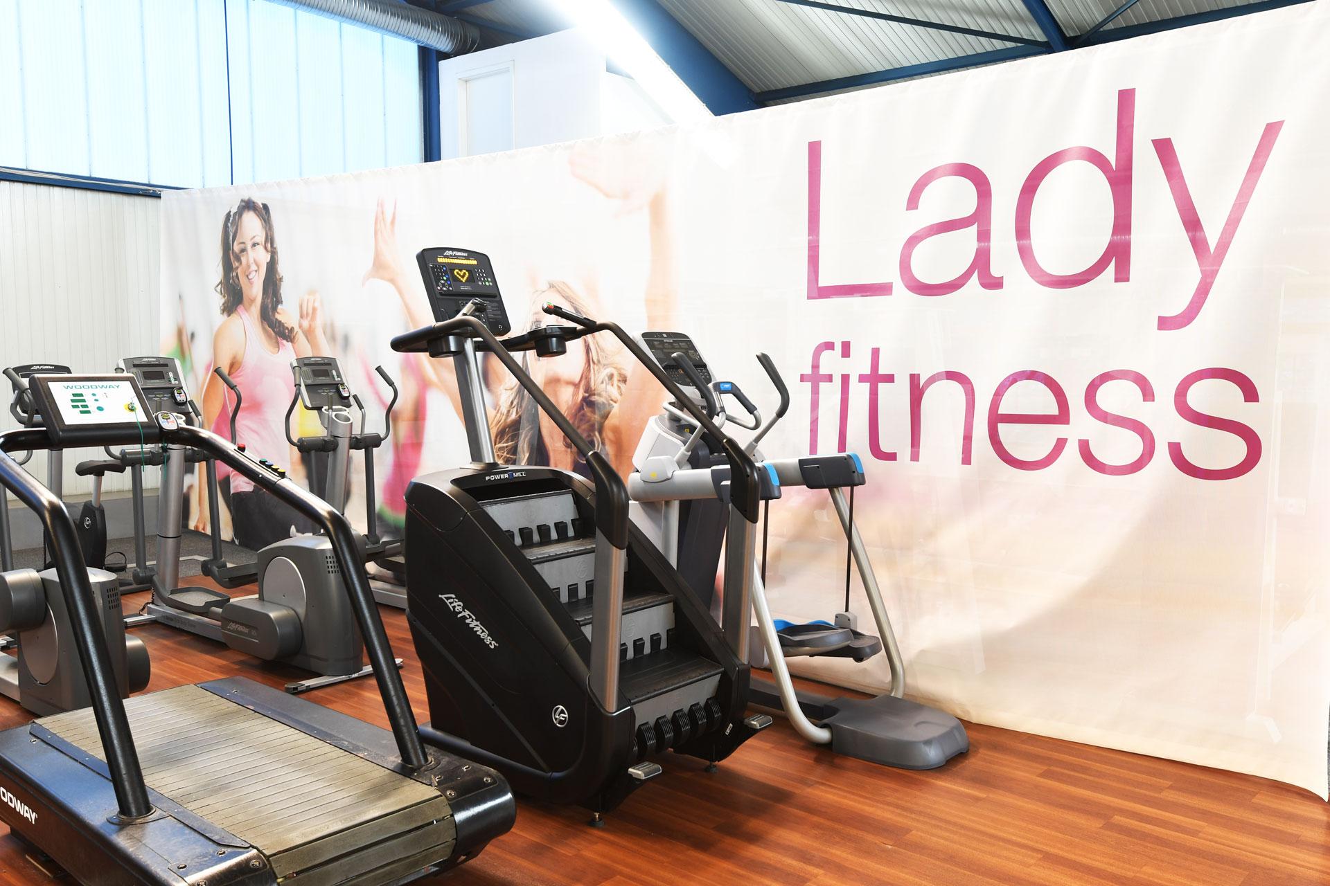 woman-fitness-sportpark-lahr-1920x1280px